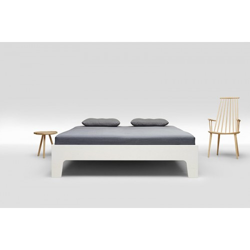 Trecompany Pure Type 1 Gelakt Bed